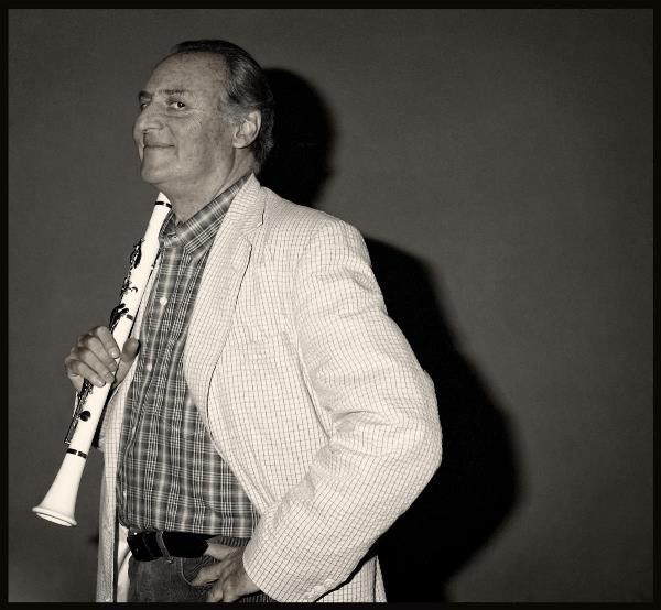 + Renzo Arbore, Foto Augusto De Luca +